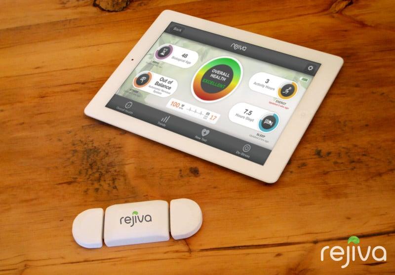 une tablette avec l'application de rejiva, objet médical connecté