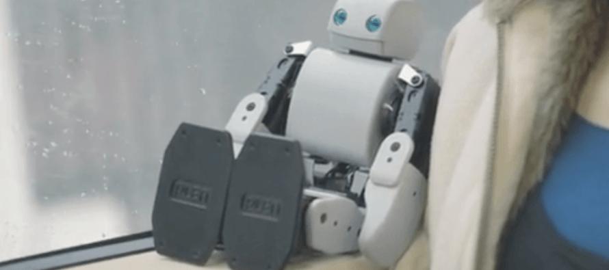 PLEN2 : Le robot open-source qui naît grâce à l'impression 3D