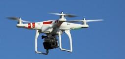 États-Unis : un homme tire sur un drone volant près de chez lui