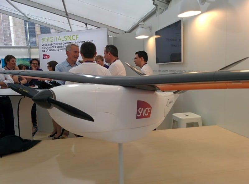 drone blanc avion sncf