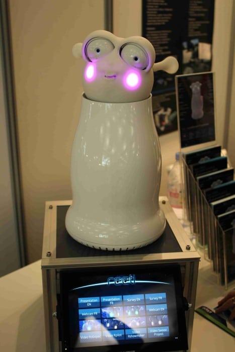 robot emotions Reeti