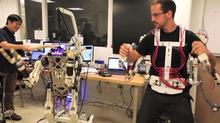 robot-controle-exosquelette-3