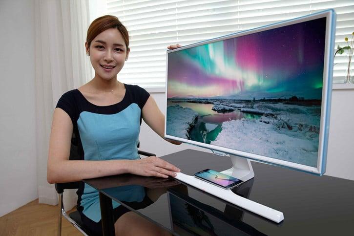 Présentation du Samsung SE370, l'écran qui recharge votre téléphone