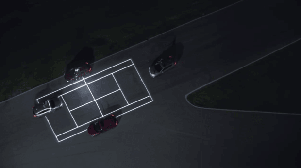 terrain tennis Mazda