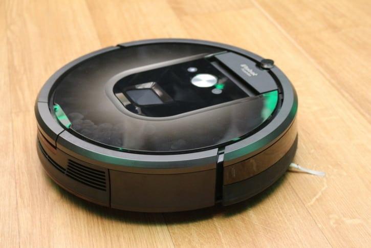 irobot pr sente son nouvel aspirateur intelligent roomba 980. Black Bedroom Furniture Sets. Home Design Ideas