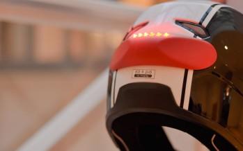 Cosmo Connected réinvente le casque moto