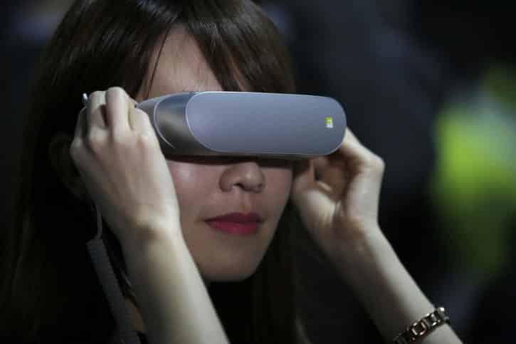 LG 360 VR femme 1