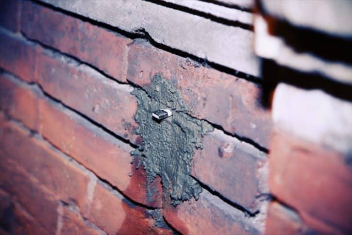 ciment clé usb mur