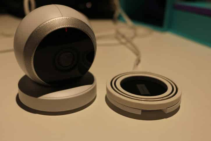 test logi circle design et ergonomie produit caméra connectée et base
