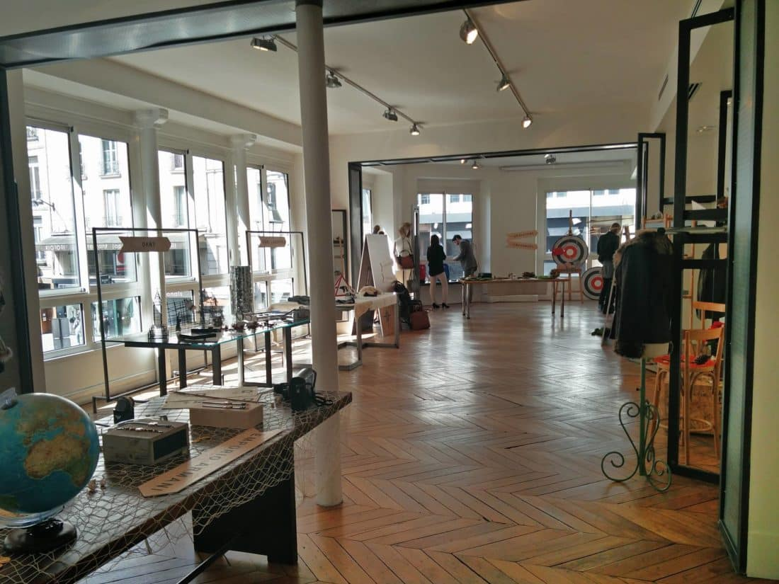 showroom fossil 13