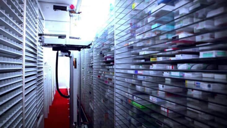 MACH 4 le nouveau système de pharmacie robot