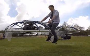 Un inventeur fou crée la première hoverbike