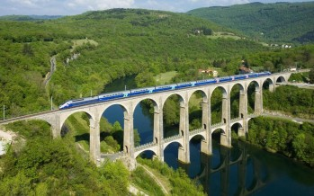 La SNCF innove en présentant son futur TGV connecté