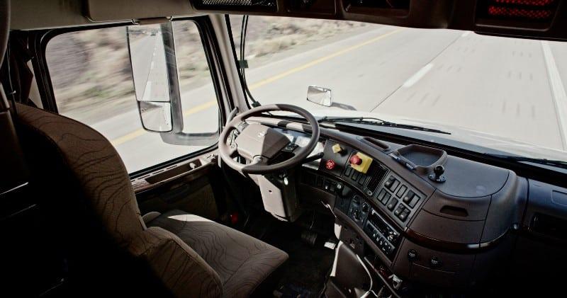 camion autonome systeme OTTO vue interieure