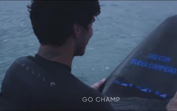Devenez un roi de la glisse avec le Samsung Galaxy Surfboard