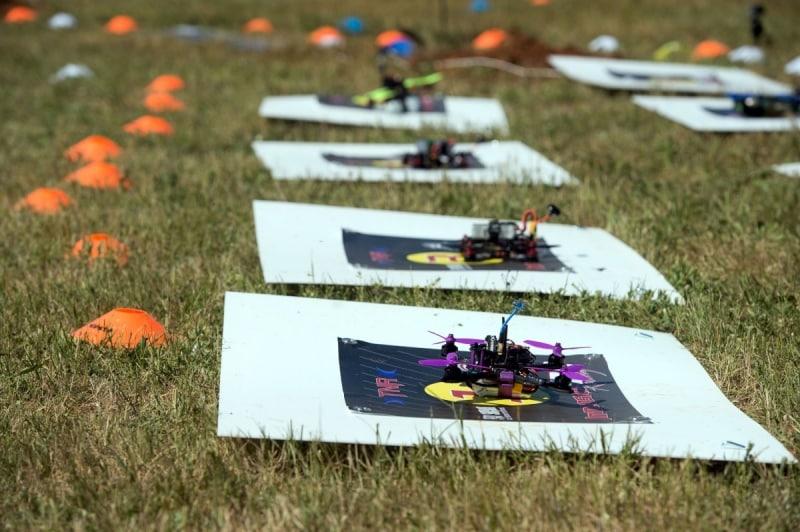 courses de drones var ligne de depart detail