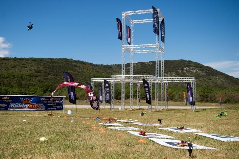 courses de drones vue piste freestyle