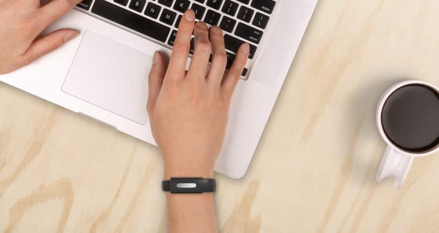 nymi paiement sans contact bracelet connecte detail