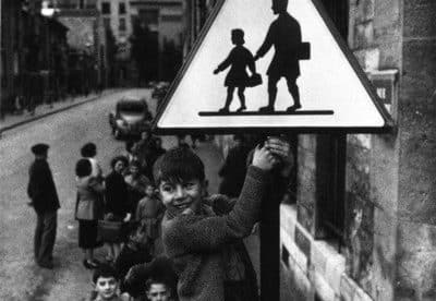 passage pieton enfant rebelle