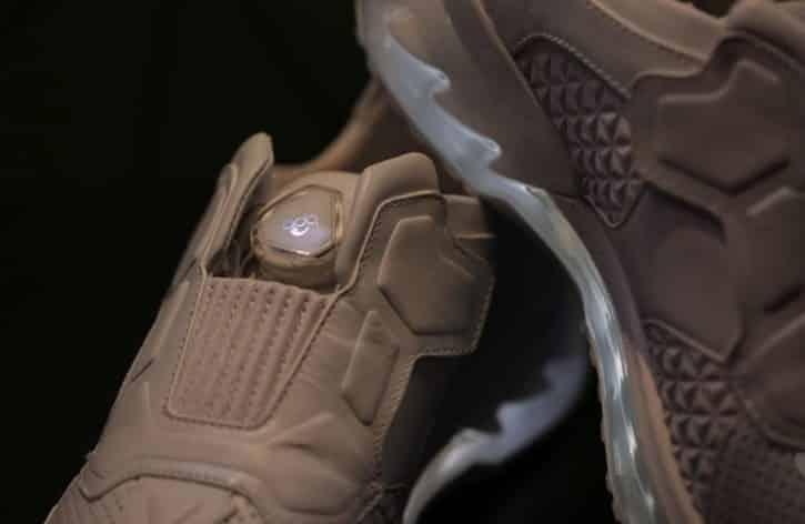 lenovo smart shoes