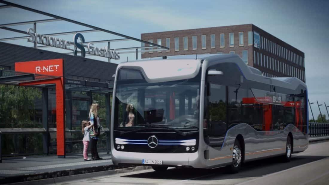 Le Future Bus est doté d'un pilote automatique.