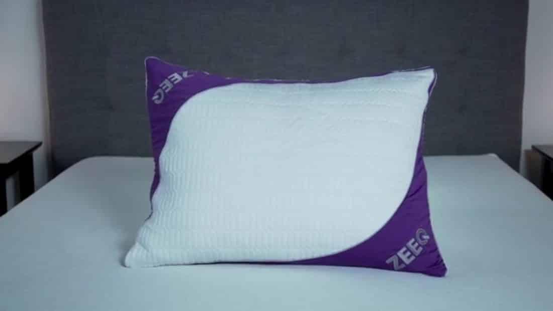L'oreiller intelligent Zeeq permet d'améliorer le sommeil et d'empêcher les ronflements.