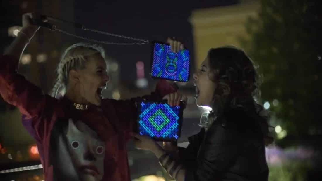 Le sac Lilu s'illumine grâce à une application smartphone.