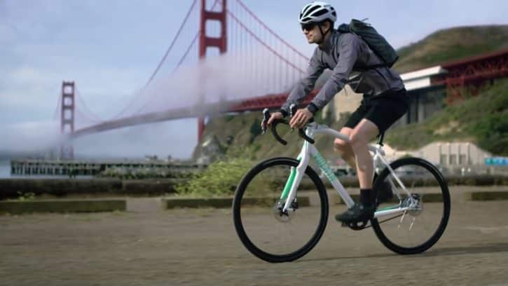 Le vélo Volata est équipé d'un GPS, d'un fitness tracker, et autres.