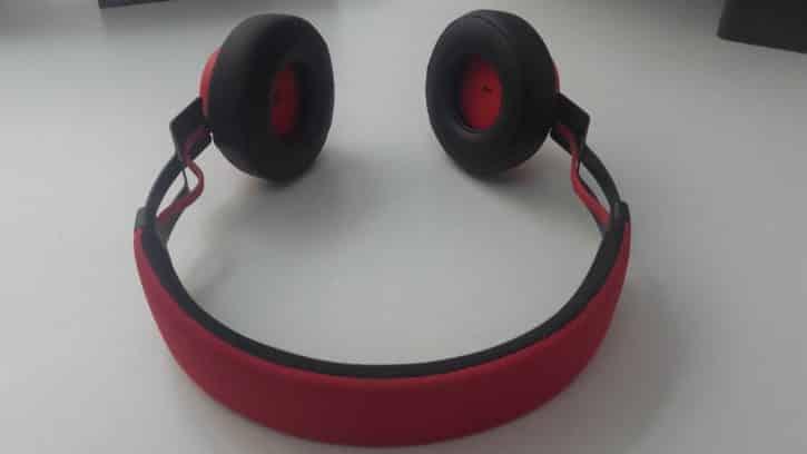 Vue de l'arrière du casque Jabra Move Wireless