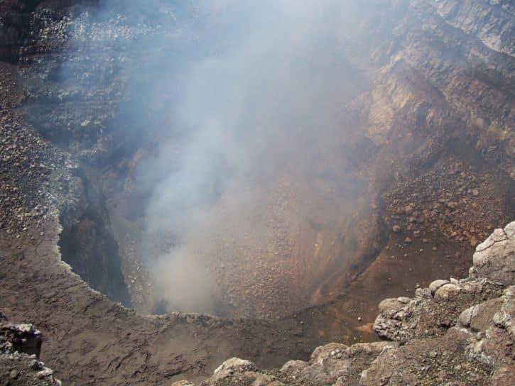 Cratère du volcan connecté