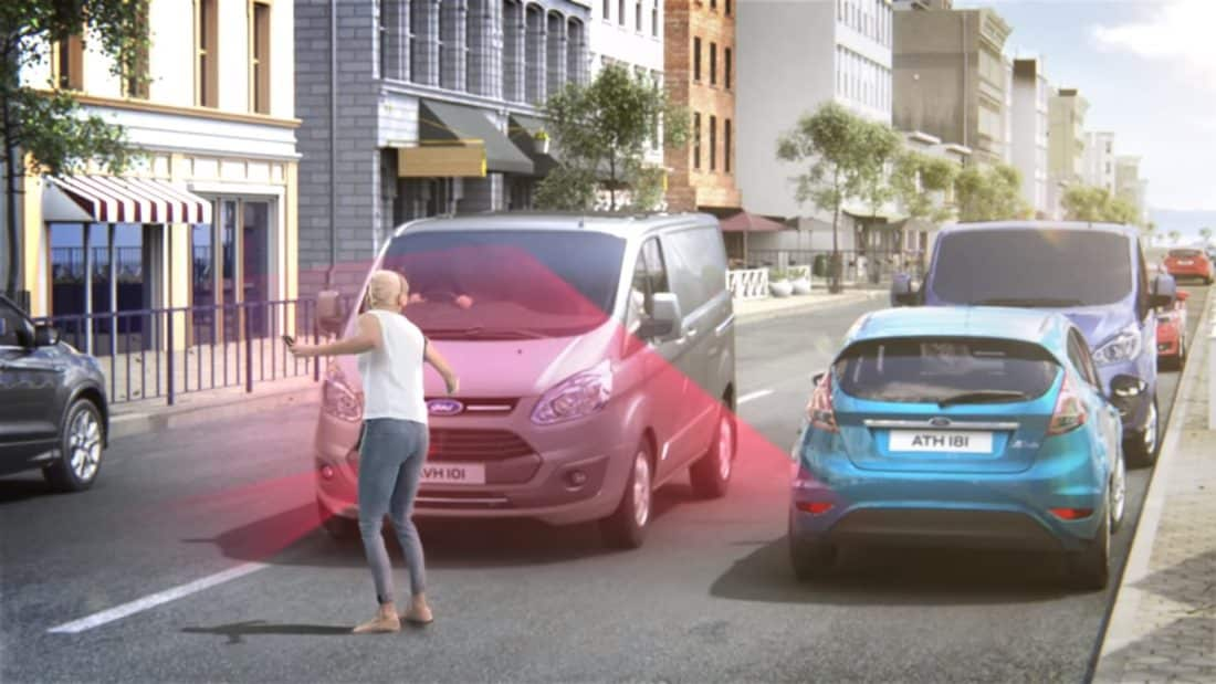 détection des piétons freinage d'urgence Ford
