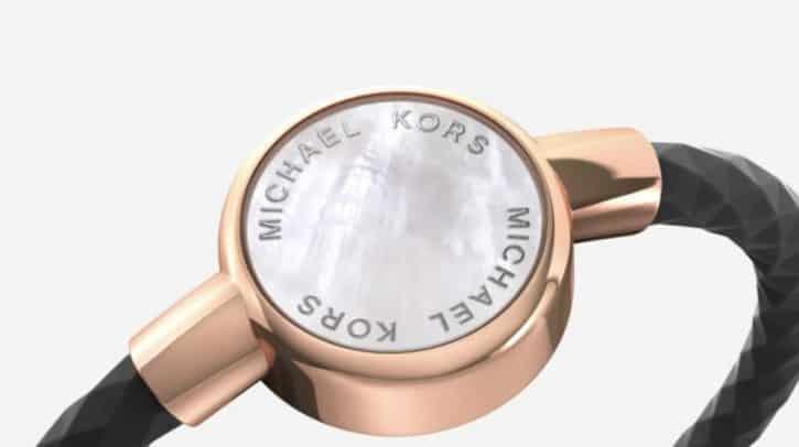 Le bracelet Michael Kors Access Crosby