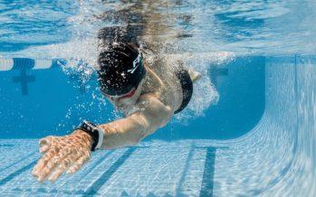 Swimsense Live : un bracelet connecté pour les nageurs