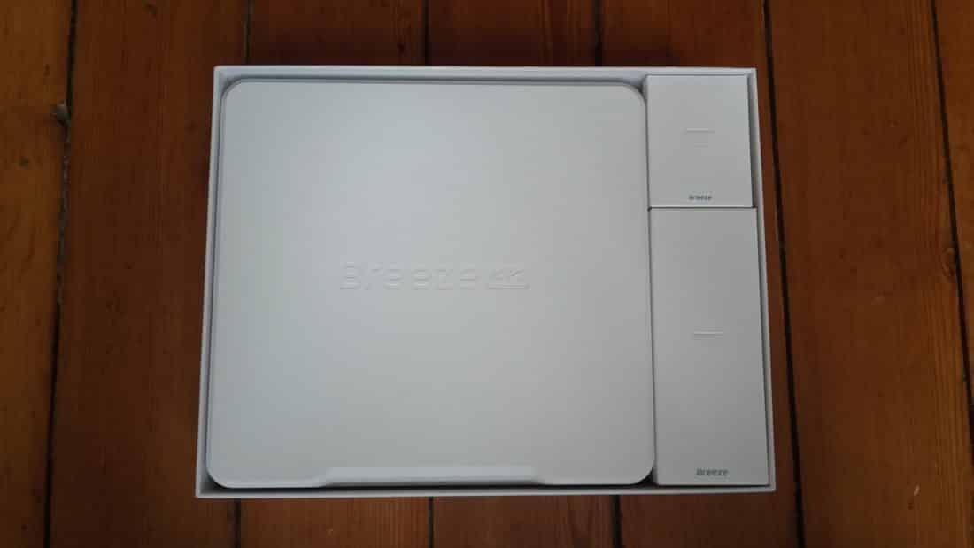 Unboxing Breeze 4k boîte ouverte