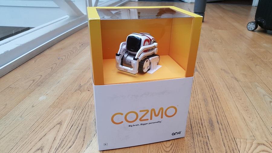 Unboxing Cozmo Anki vue devant