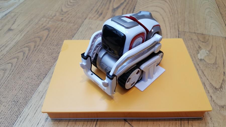 Unboxing Cozmo Anki présentoir robot