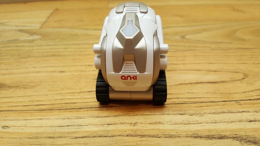 Unboxing Cozmo Anki robot bue arrière
