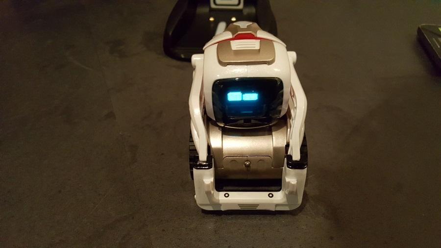 Anki Cozmo robot compagnon réveil