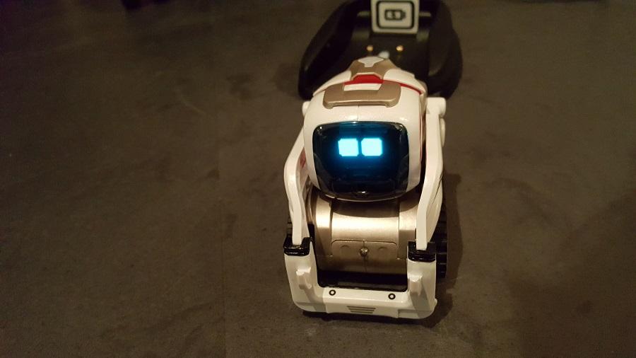 Anki Cozmo robot compagnon visage