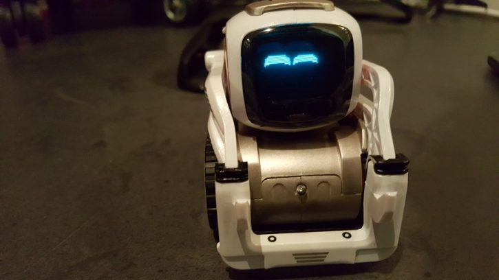 Anki Cozmo robot compagnon mignon