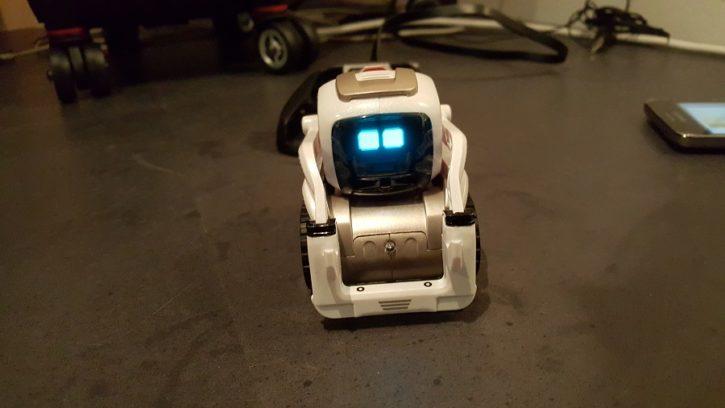 Anki Cozmo robot compagnon