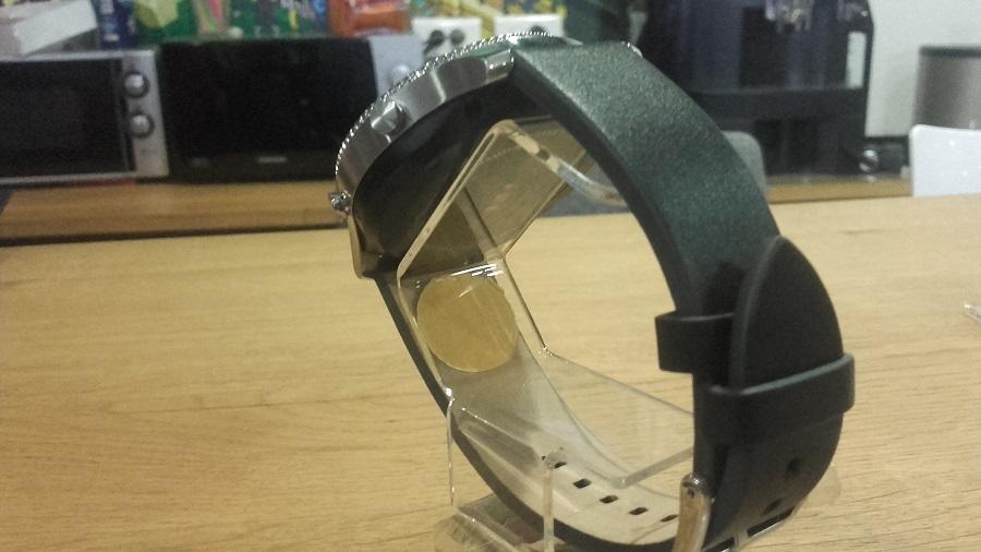 Samsung Gear S3 vs Gear S2 Classic arrière