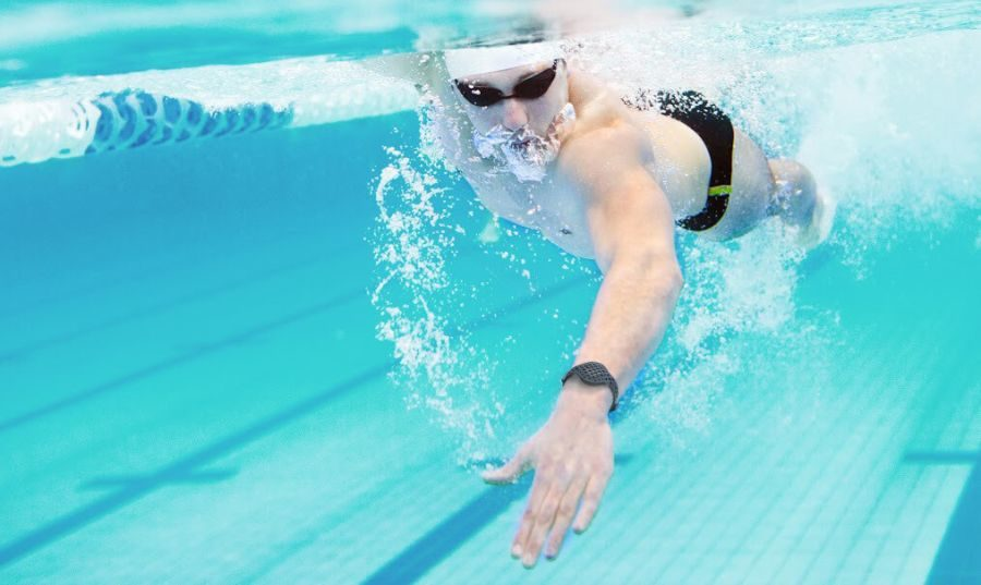 tracker fitness waterproof moov now