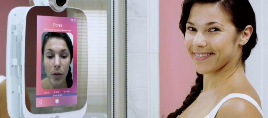 Himirror le premier miroir connect au service de la for Miroir intelligent