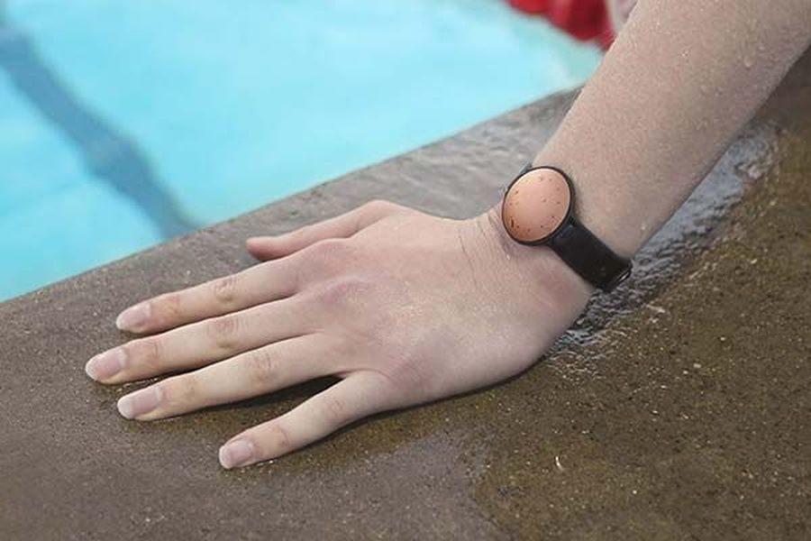 tracker fitness waterproof misfit shine