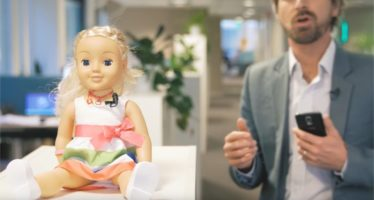 Jouets connectés : attention à Cayla, la poupée connectée espionne