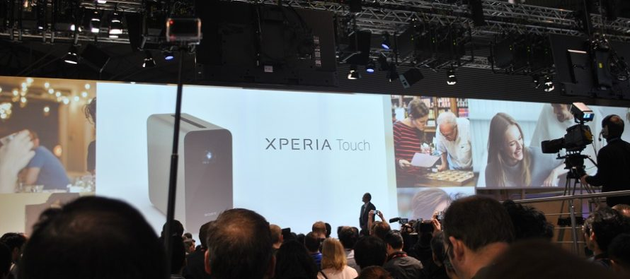 [MWC 2017] Jouez-là comme Tony Stark avec le projecteur Xperia Touch de Sony