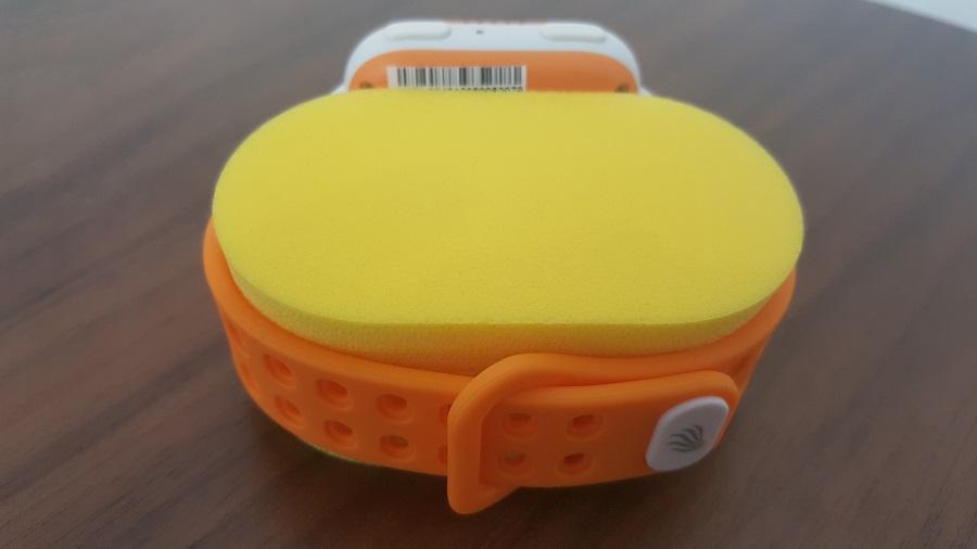 Test Unboxing Kiwip Watch Montre connectée support mousse vue bracelet