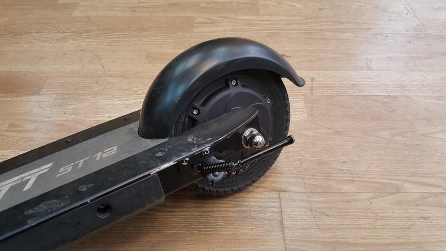 speedtrott st12 test trottinette électrique utilisation roue arrière