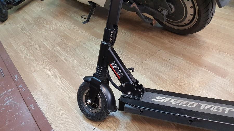 speedtrott st12 test trottinette électrique utilisation roue avant